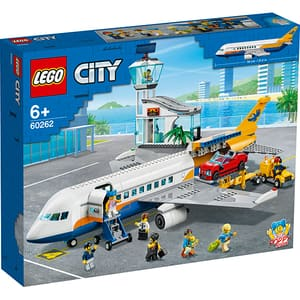 LEGO City: Avion de pasageri 60262, 6 ani+, 669 piese